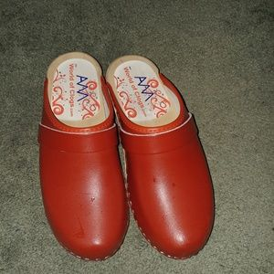 Red clogs